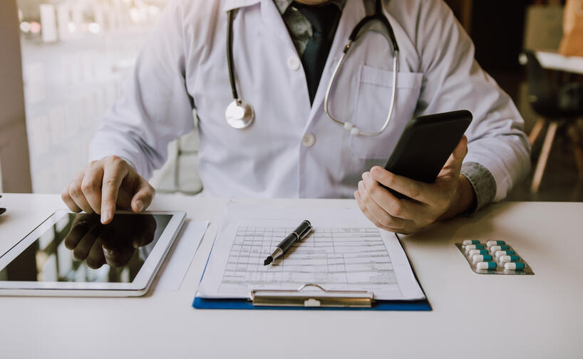 leave manager looking at healthcare leave data